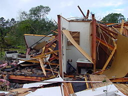 256px-Tornado_damage_interior_room